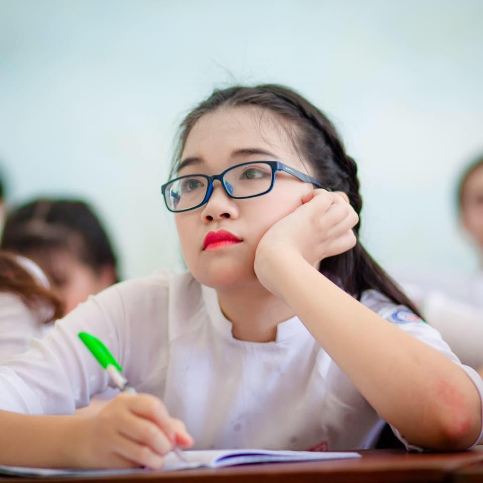 Trương Lê Diệu My, một trong hai thủ khoa của tỉnh Quảng Ngãi