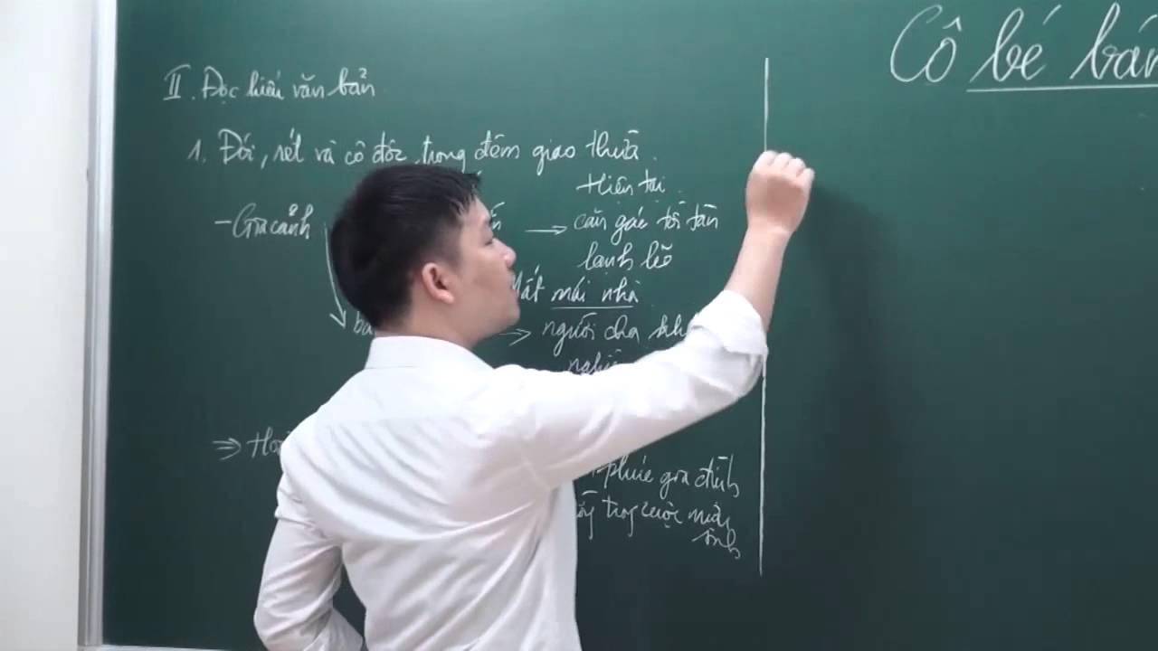 (Ảnh minh họa: Thầy Nguyễn Phi Hùng trong giờ dạy học môn Ngữ văn)